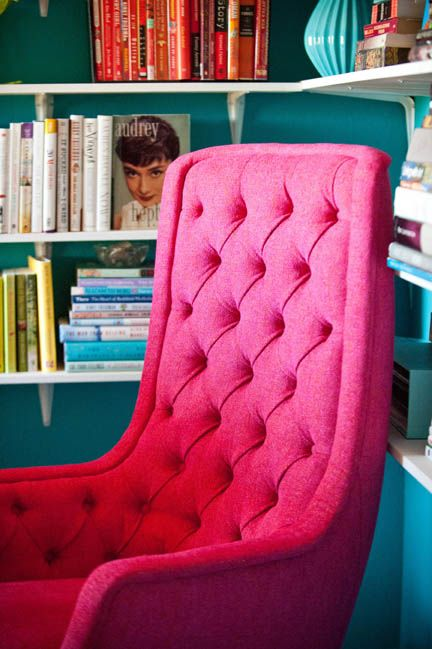 hot pink office chair stackable resin chairs green a upholstered mid century swivel features tufting on its high seat back ward bennett for brickel associates