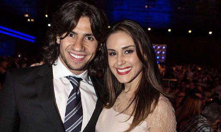 Mariano, da dupla com Munhoz, é visto com ex-namorada