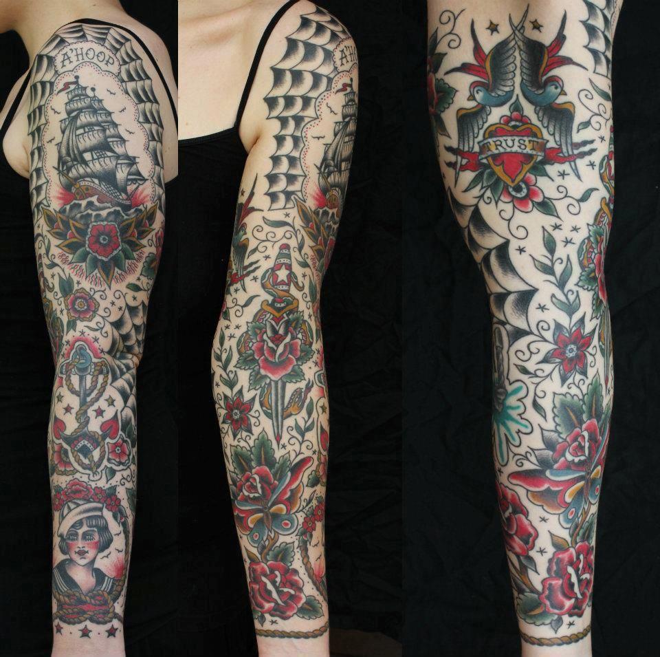 Really cool traditional full sleeve Tatuagem tradicional