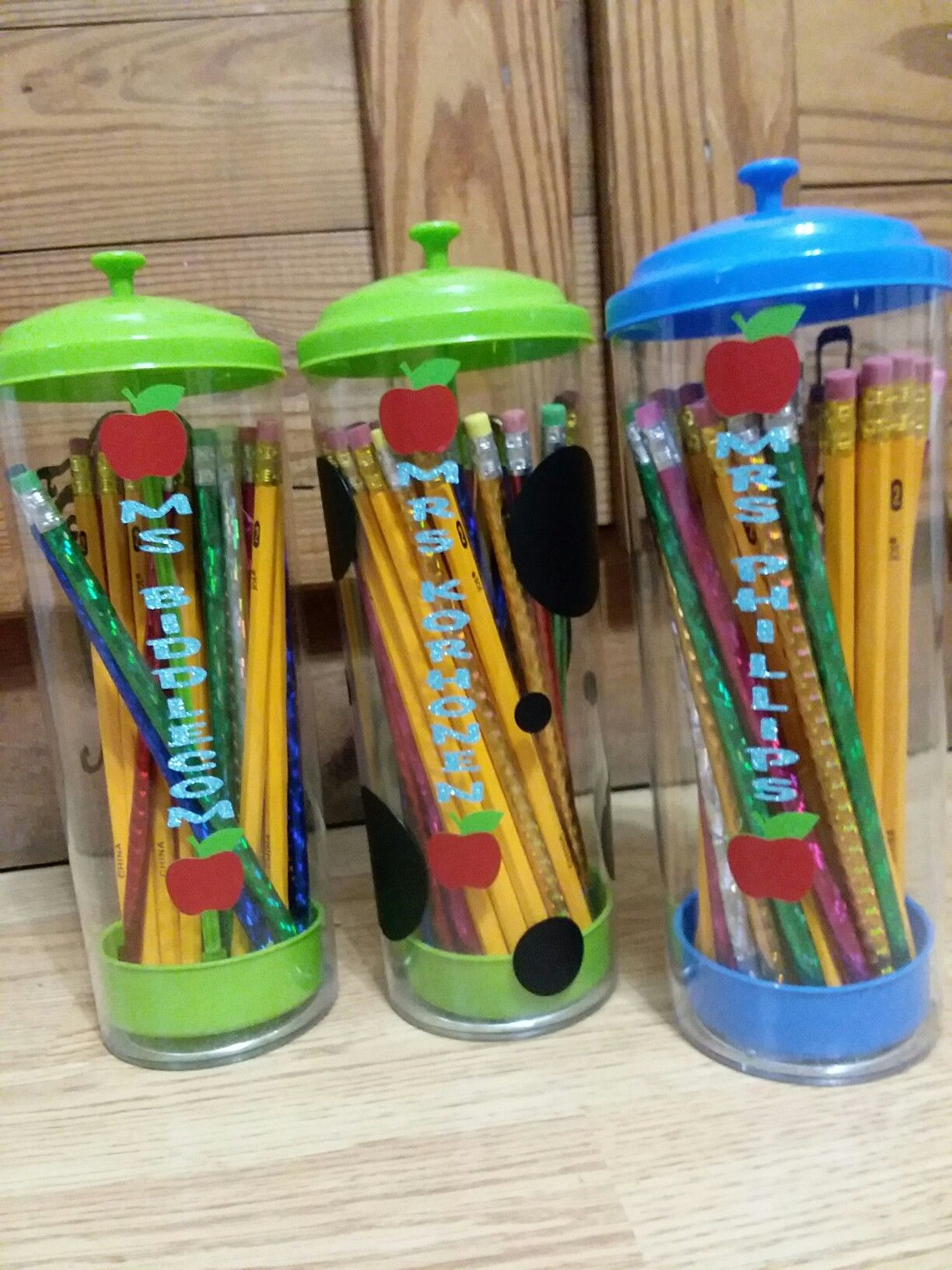 Dollar Store Straw Dispensers Turned Pencil Holders Diy Pencil