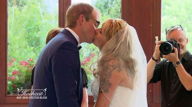 Hochzeit Auf Den Ersten Blick Hochzeit Auf Den Ersten Blick Hochzeit Auf Den Ersten Blick