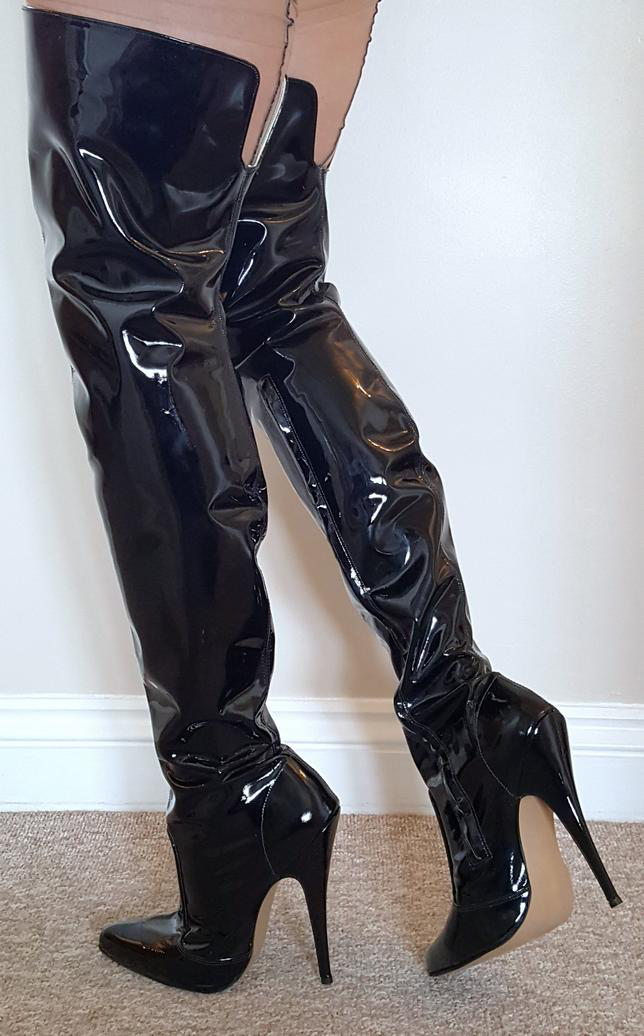 Épinglé sur Black high heels