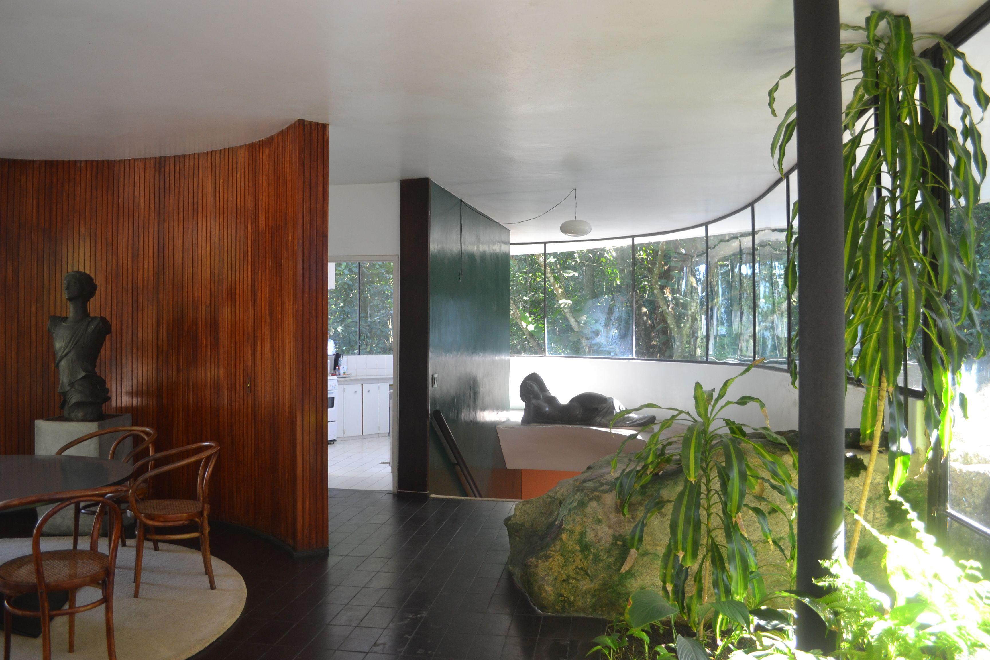 Galeria de cl ssicos da arquitetura casa das canoas for Casa moderna restaurante salta