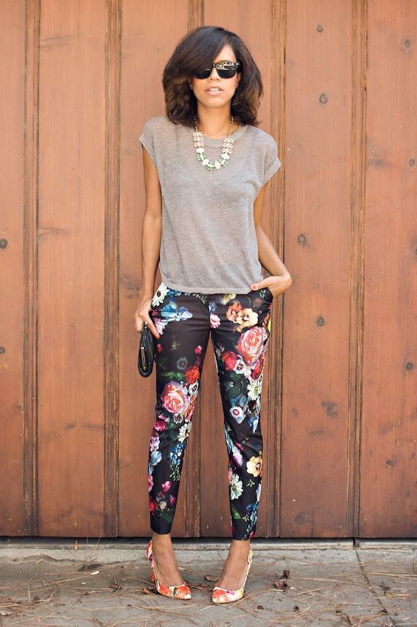 54e4b8d65e34f  FASHION  Urban Outfitters tee    Ted Baker floral trousers    Ivanka Trump  floral pumps    Vintage thrifted clutch    Prima Donna necklace