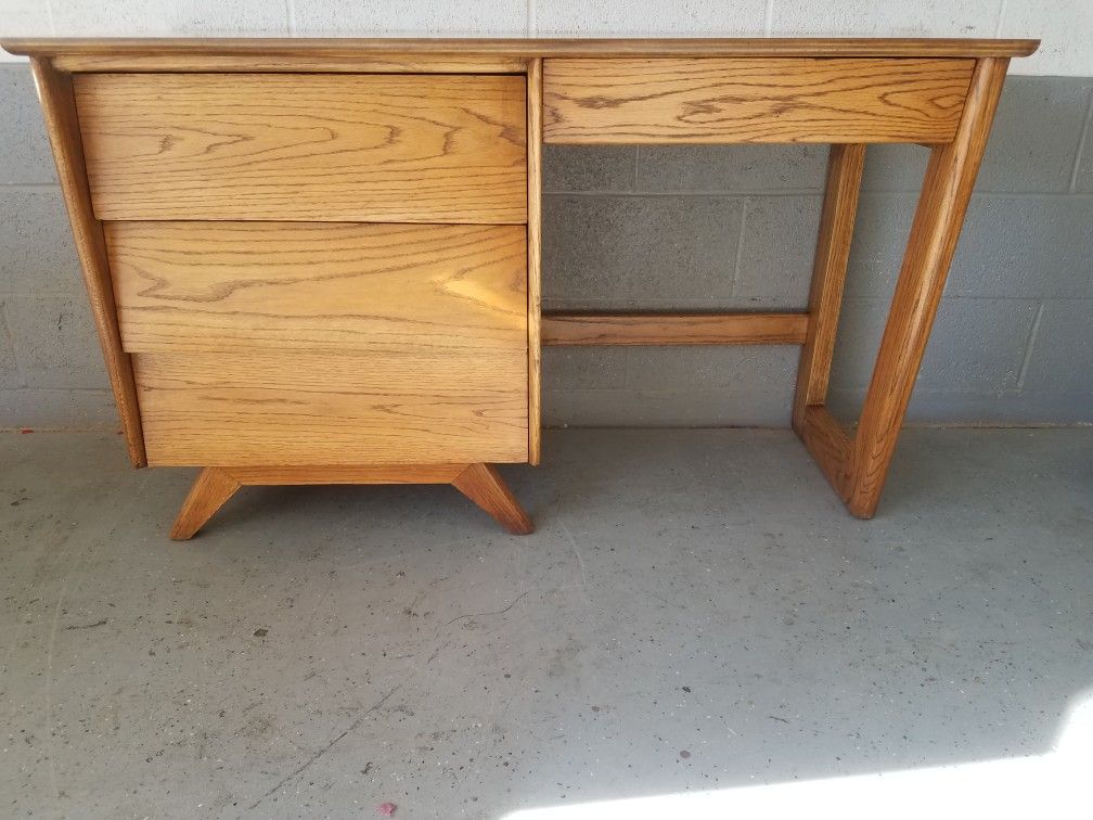 Famous Franciscan Furniture Of Albuquerque Nm Solid Oak With A Laminate Top Available On Phoenix Craigslist Furniture Study Nook Mid Century Furniture