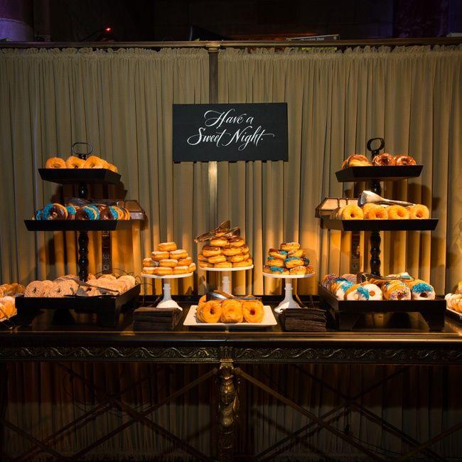 Best 25 Sport Bar Design Ideas On Pinterest: Best 25+ Wedding Donuts Ideas On Pinterest