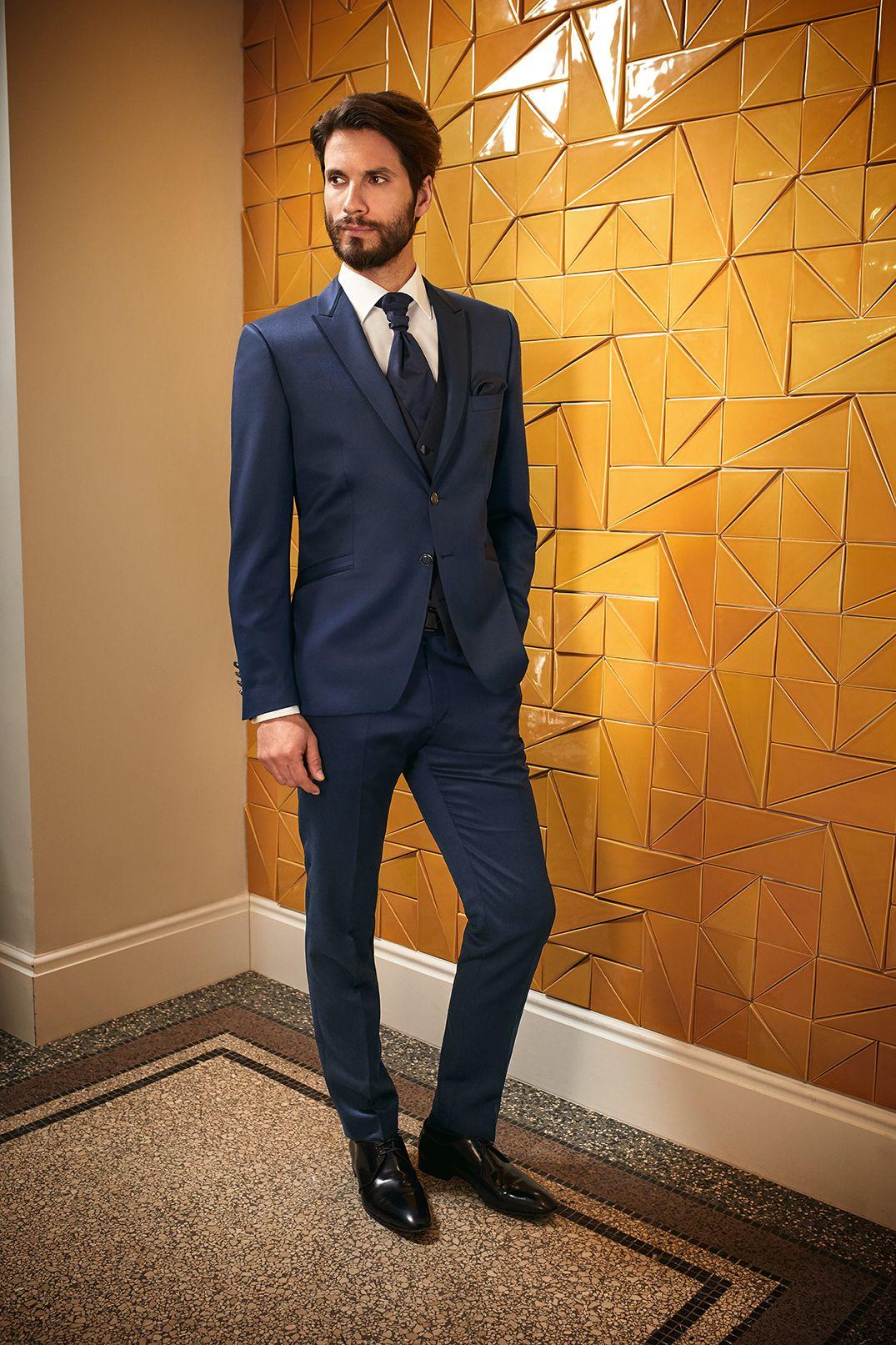 f281a6141 #wilvorst #prestigebywilvorst #hochzeitsanzug #italienischerstil  #hochwertig #italienisch #sexy #elegant