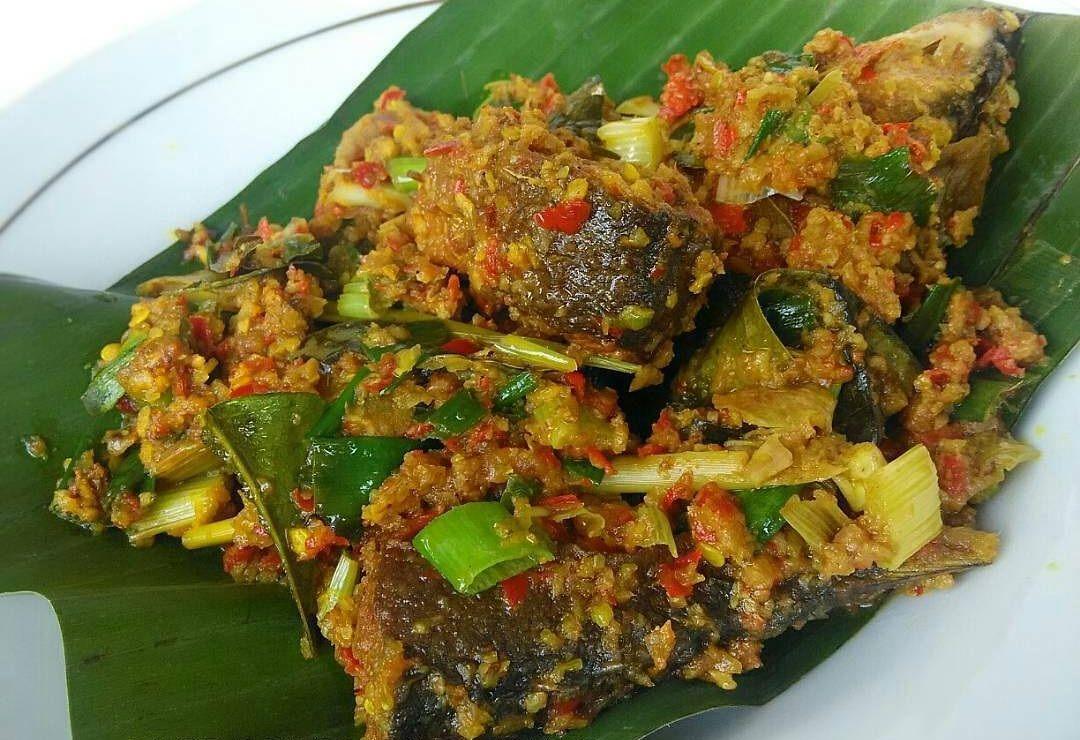 Resep Bandeng Bumbu Lodho Resep Saus Ikan Makanan Dan Minuman