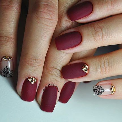матовые ногти со стразами фото