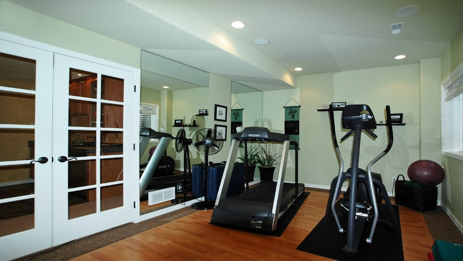exercise room decor | Decorating a workout room in your home1 ...