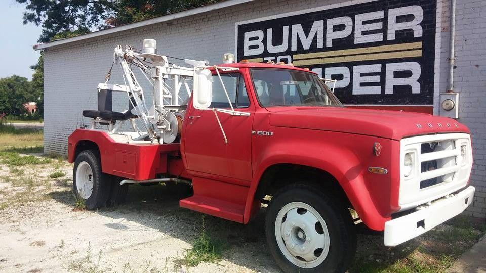 1975 Dodge Auto Body Shop Tow Truck Auto Body