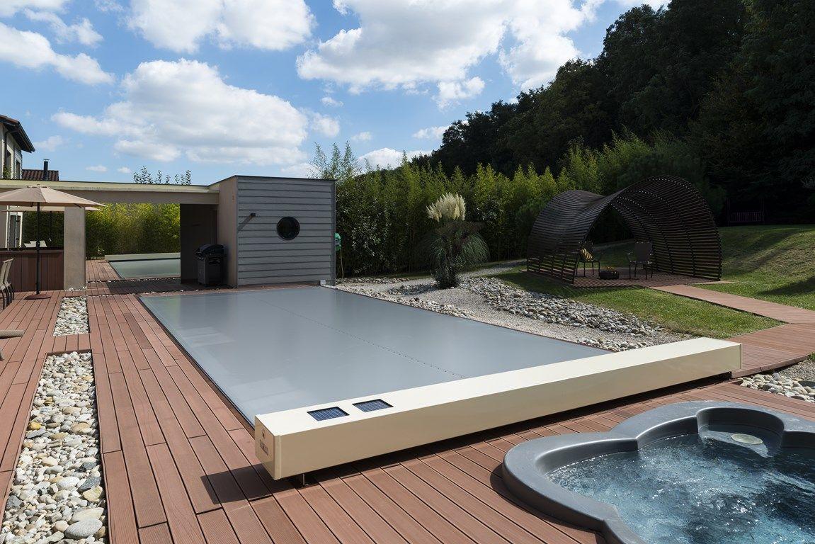 Cobertor autom tico exclusivo de abrisud es un modelo for Cobertor de piscina automatico
