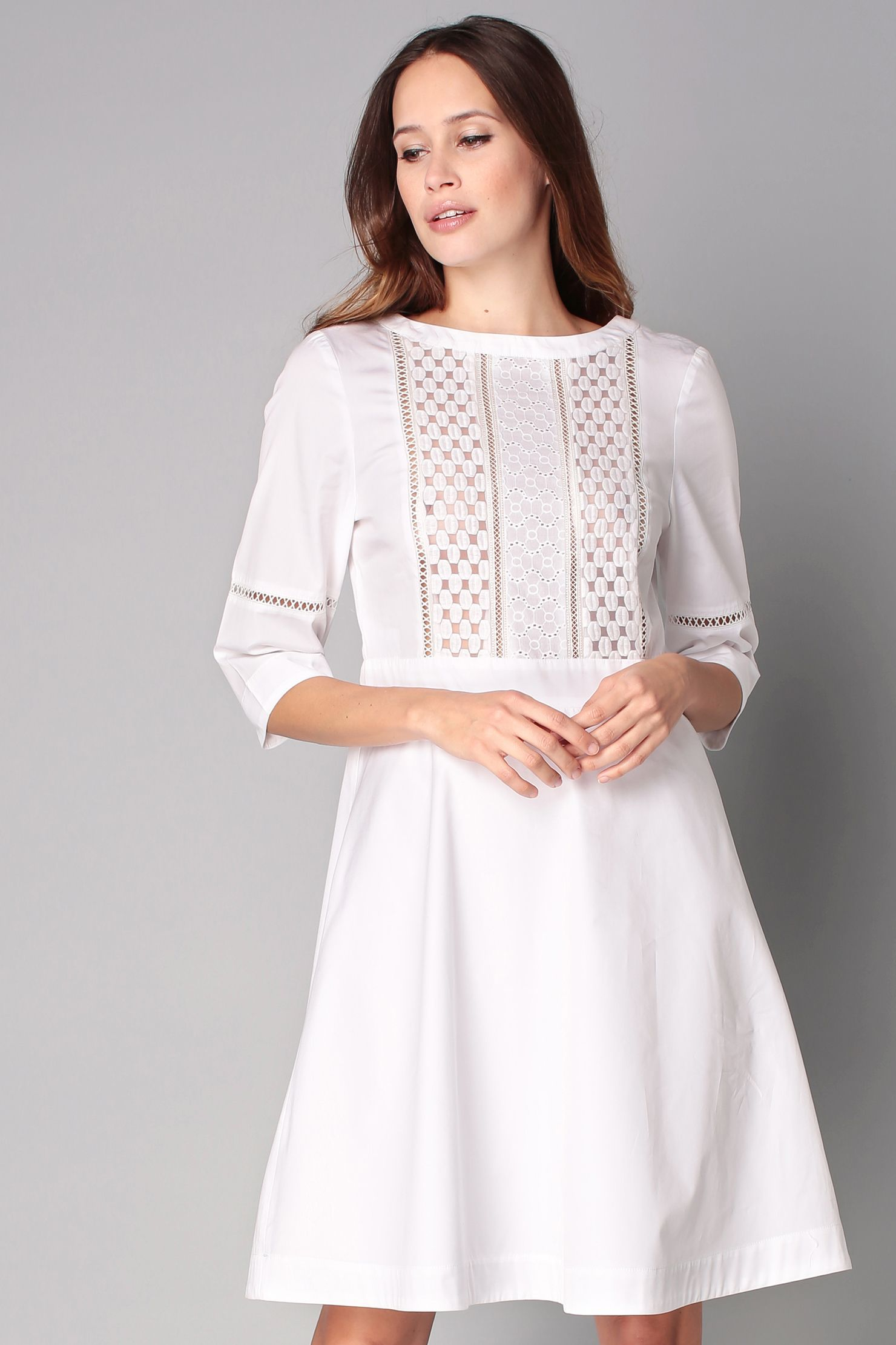 20054370aa7294 Robe blanche broderie anglaise