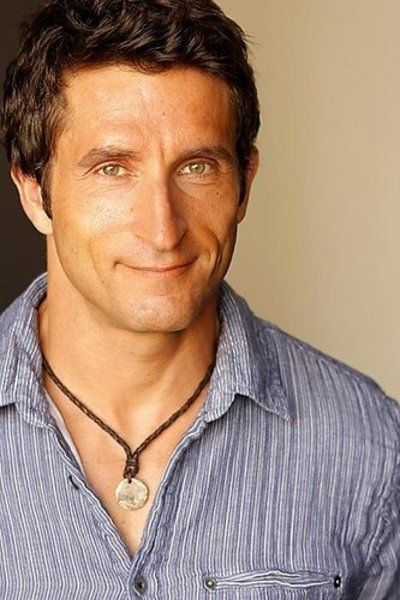 This is one multi-talented guy! Jonathan LaPaglia, graduated from Uni of Adelaide in 1991 with a degree in Medicine. In 1994 he decided to pursue an acting career and most recently starred in ABC drama series, The Slap.