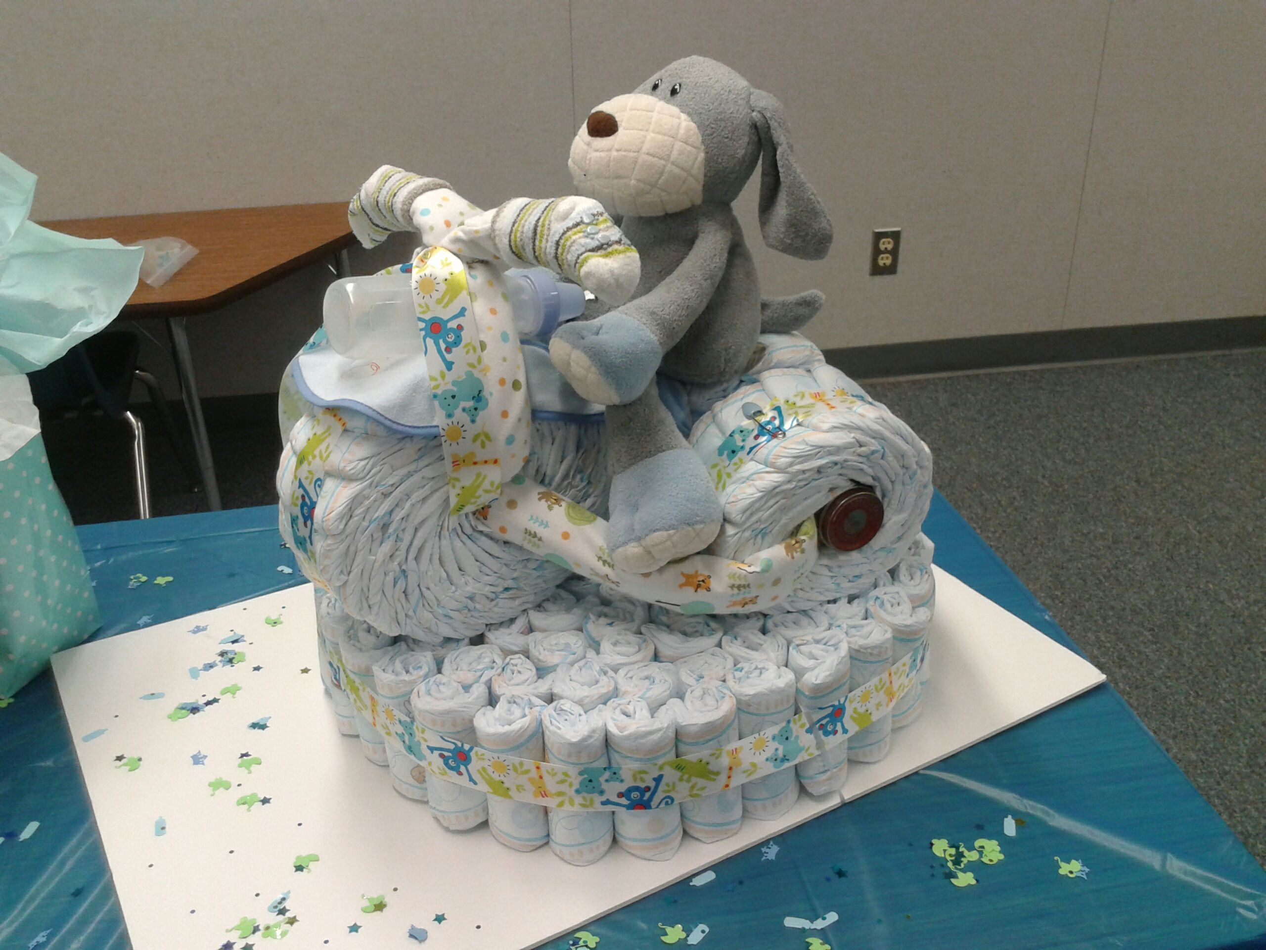 Diaper motorcycle for baby shower a party pinterest for Diaper crafts for baby shower