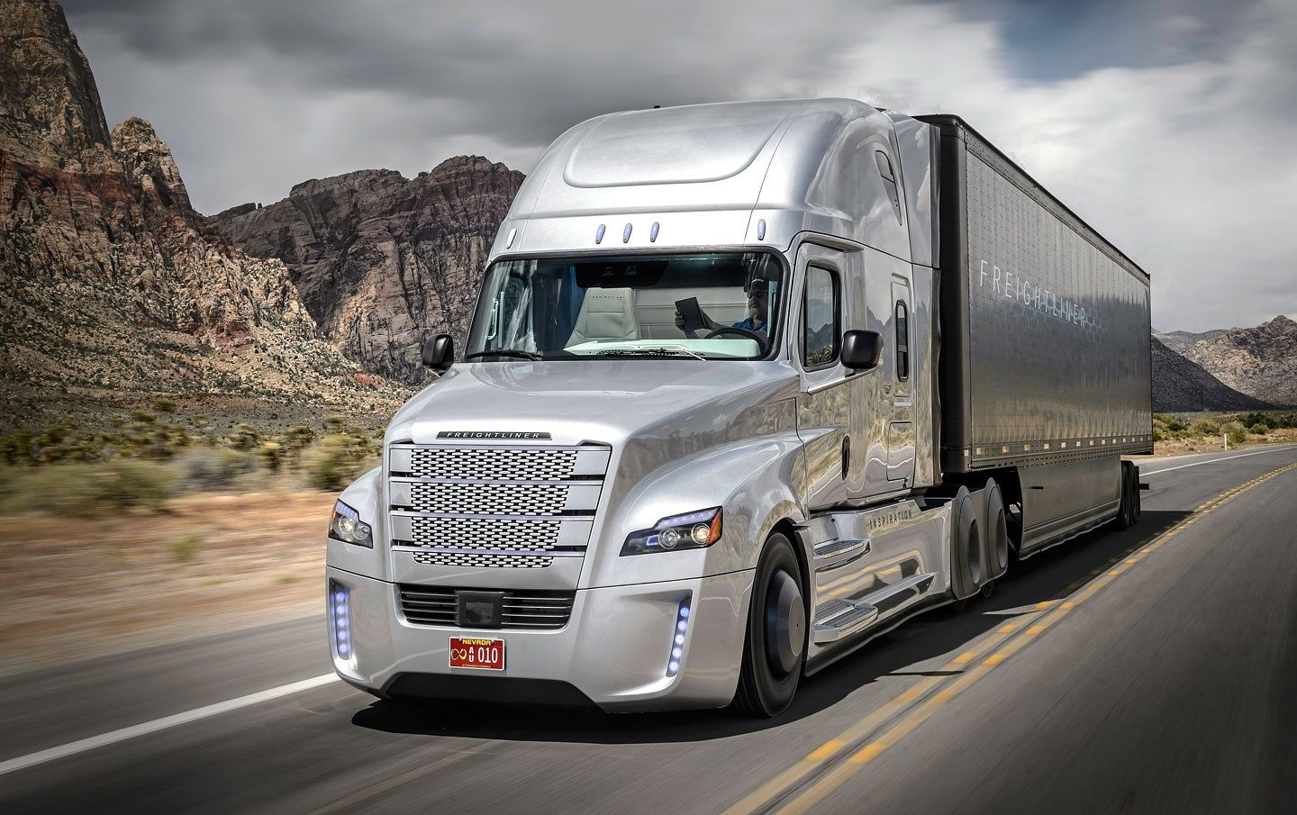 1440x905 beautiful pictures of freightliner
