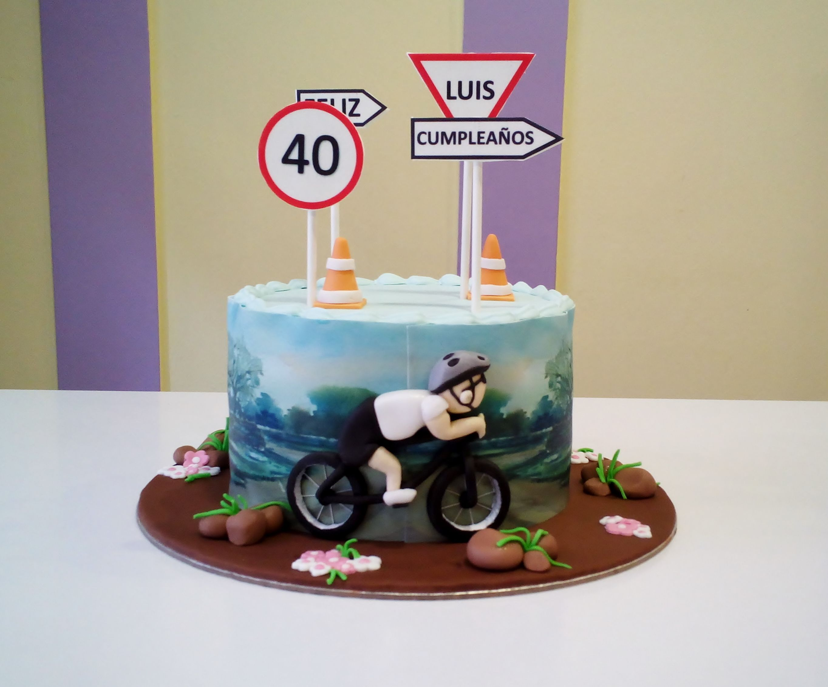 Tarta ciclista para un 40 cumplea os tartas fondant for Decoracion 40