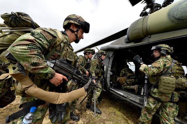 SERVICIO EN EL EJC - Página 46 - América Militar