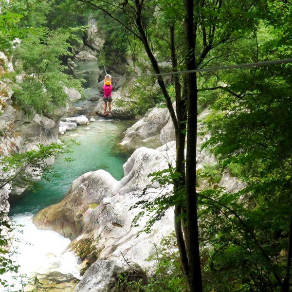 Actieve vakanties: Het palet aan buitensport activiteiten in Bovec is enorm breed, van wandelen tot paragliden, van fietsen tot paardrijden en kayakken.