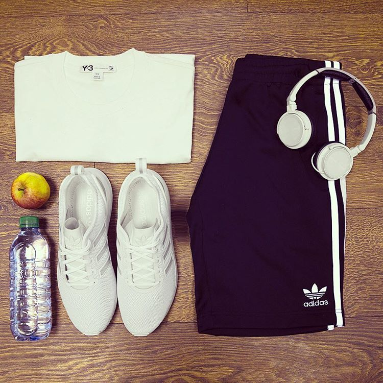 Who's to say you can't look stylish in the gym? Head over