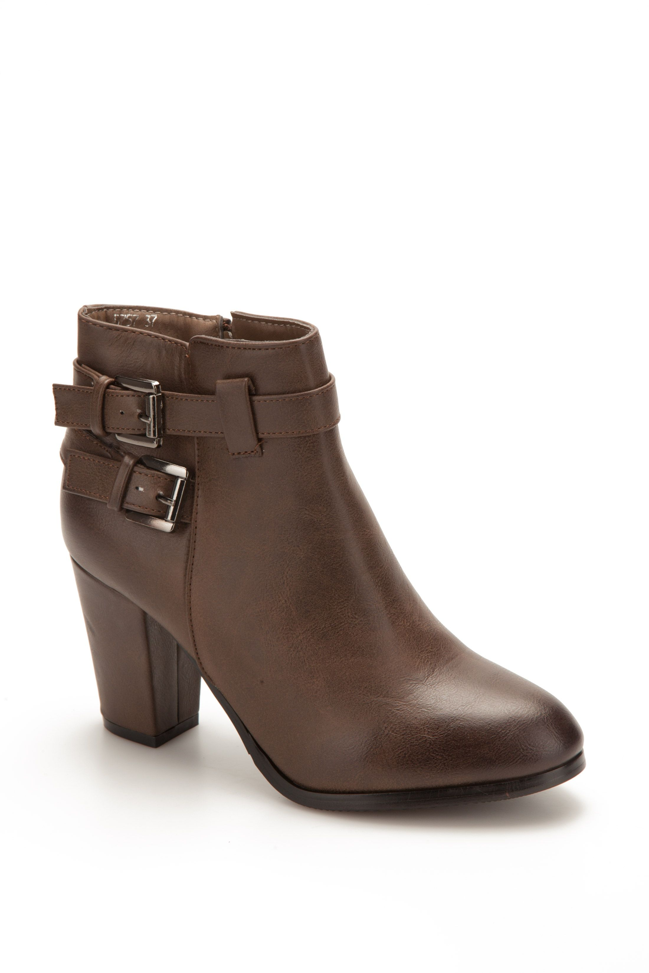 http://static3.stand-prive.com/176571/bottines-multilaniere-taupe.jpg
