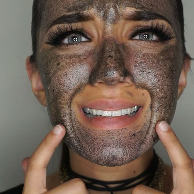 Egg Whites And Charcoal Face Mask To Minimize Pores And Get Rid Of