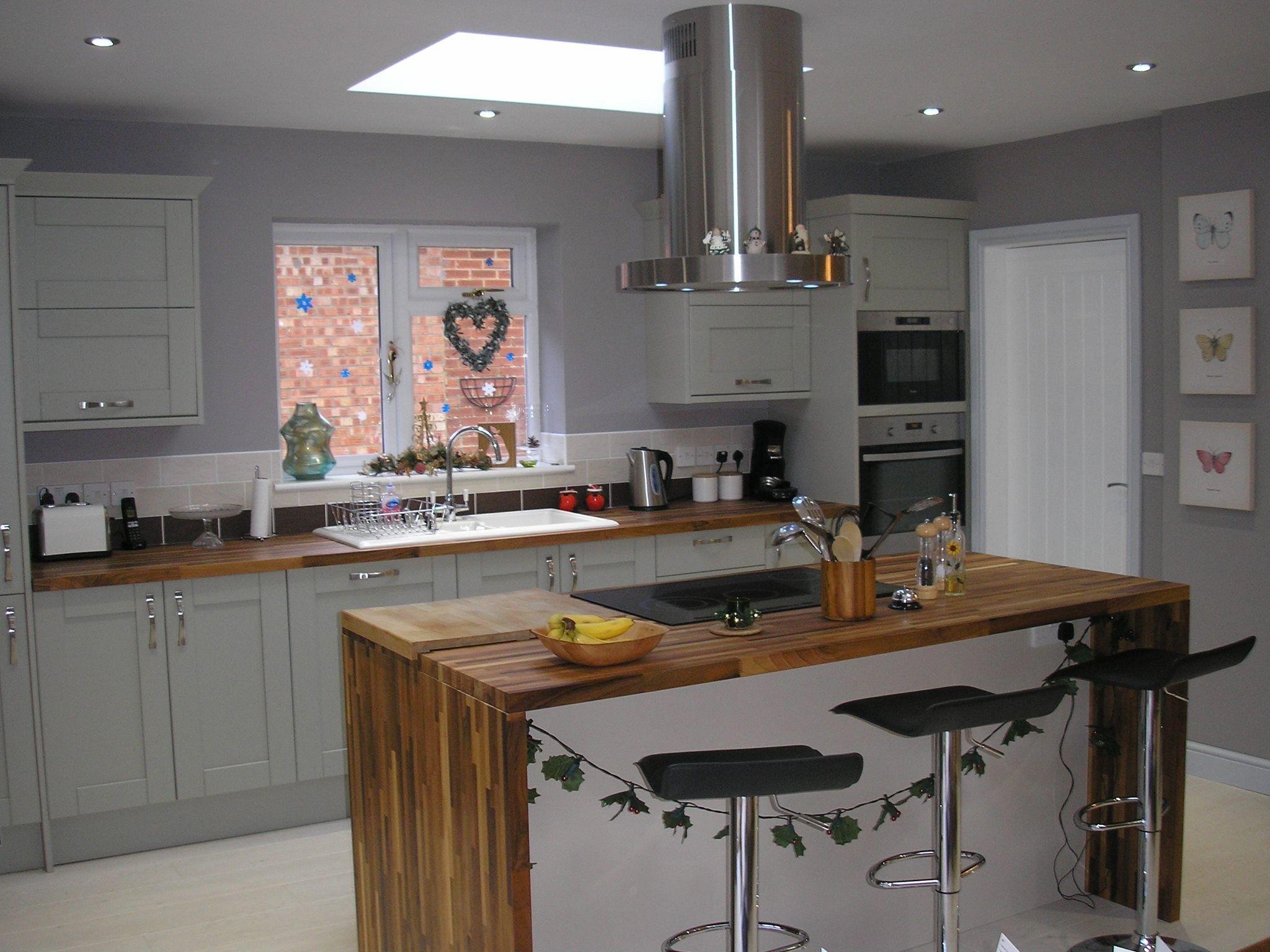European Walnut Worktops Kitchen Suite (With images