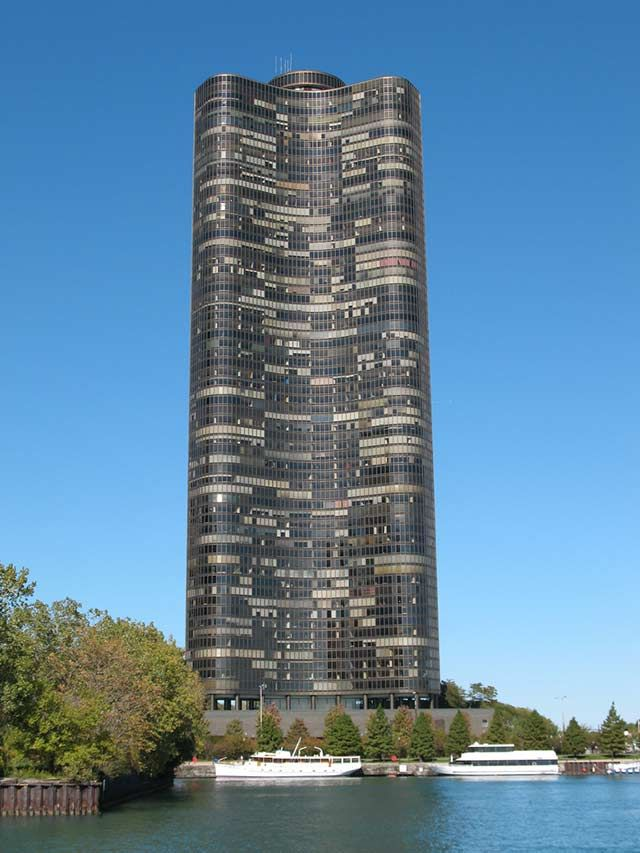 Lake Point Tower (Chicago, Illinois, USA)