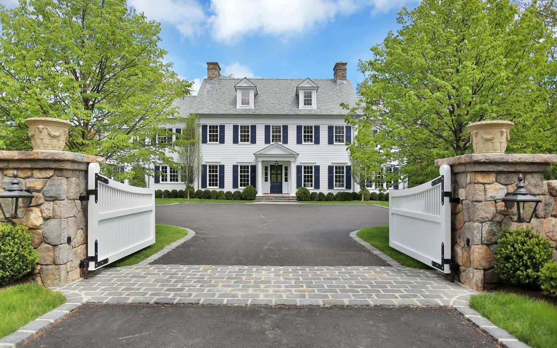 743 Lake Avenue Greenwich, CT 06830 Colonial house