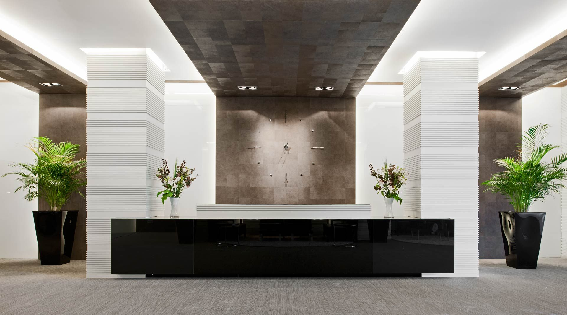 Angyrainside oficinas pinterest recepciones - Decoracion de oficinas modernas ...