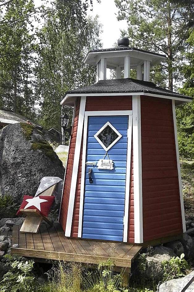 Suomen kaunein huussi -kilpailuun osallistui yli 500 käymälää. Neljästä kauneimmasta painetaan postimerkit. Katso myös kuvat kilpailun kummajaisista.