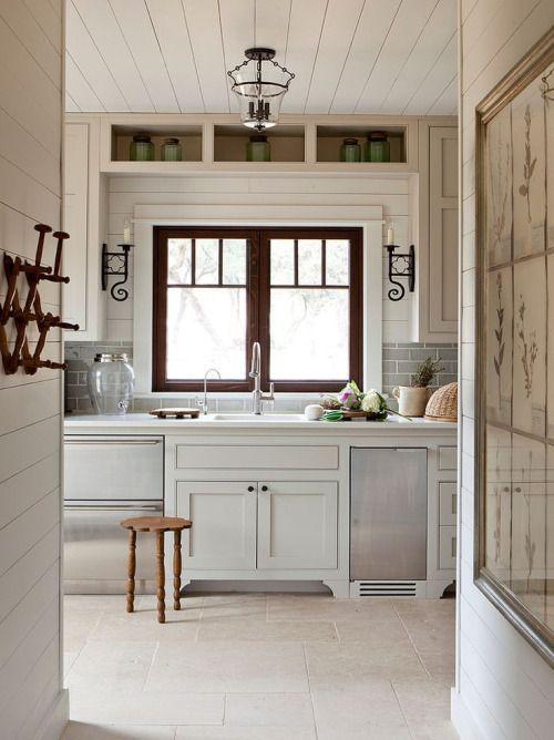 Une cuisine style campagne : http://www.m-habitat.fr/par-pieces ...