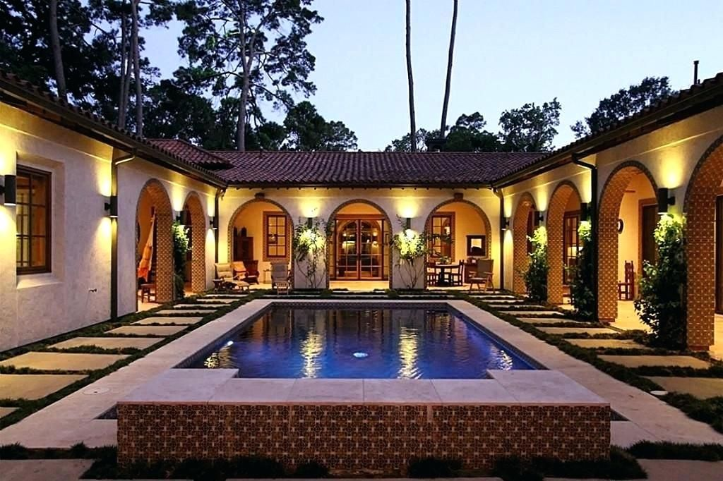 Single Story House Plans With Center Courtyard Mediterranean Interior Pool Inner Google Search I Hacienda Style Homes Courtyard House Plans Spanish Style Homes