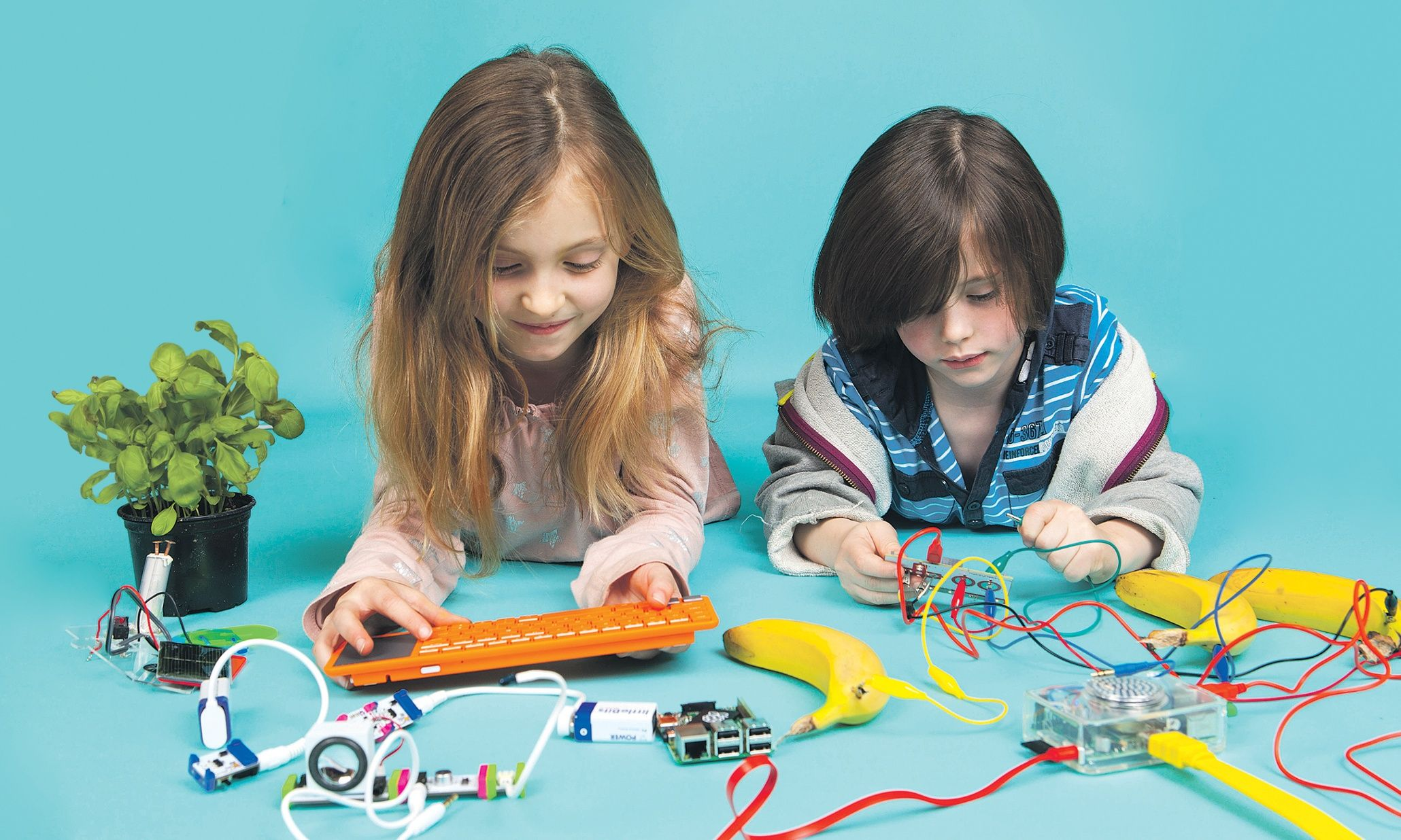 The Latest Kidtech Kits Tried And Tested Technology Stem Electronic For Kids Stef Lewandowski Give Your Children Chance To Be Creators Not Just Consumers Of