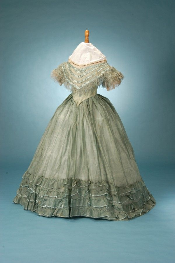 Civil War Ball Gowns For Sale | Most of the gowns on this page are ...