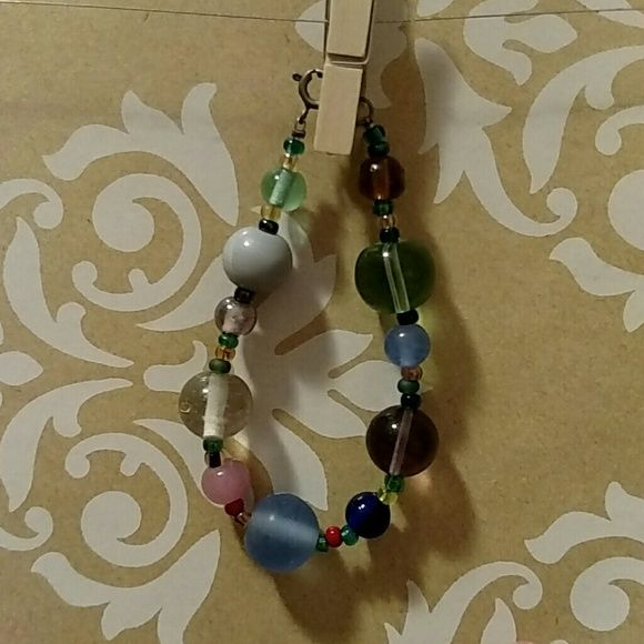 Bracelet Multi-colored glass beads. Accessories