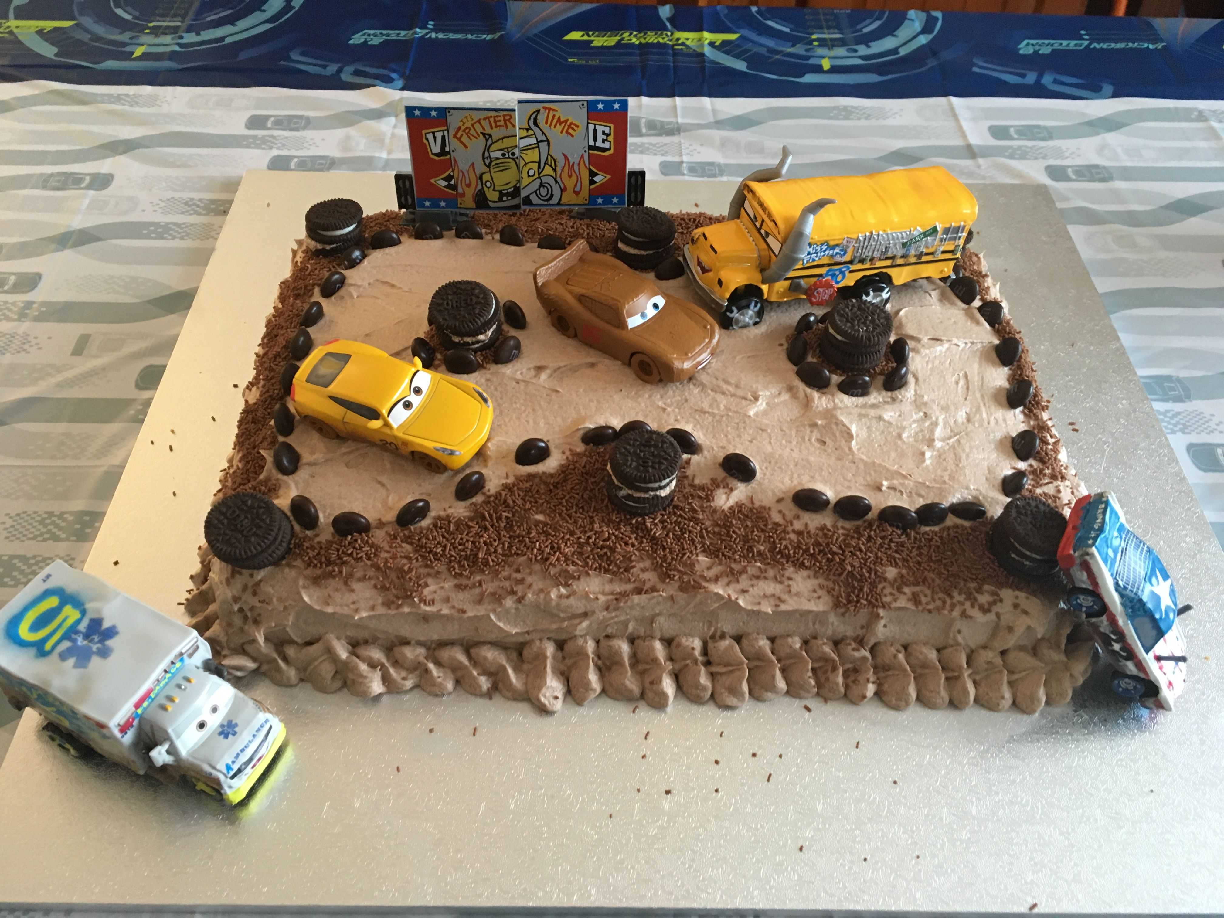 Cars 3 thunder hollow demolition derby birthday cake t - Coloriage cars 3 thunder hollow ...