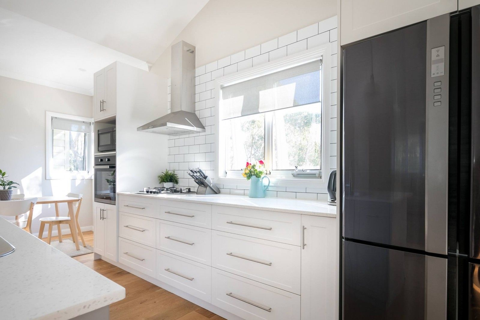how much does it cost to replace a kitchen countertop