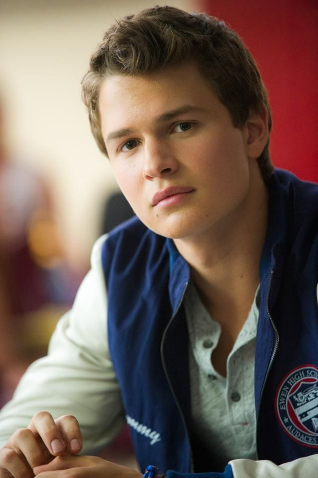 "Tommy Ross (Ansel Elgort) in ""Carrie"""