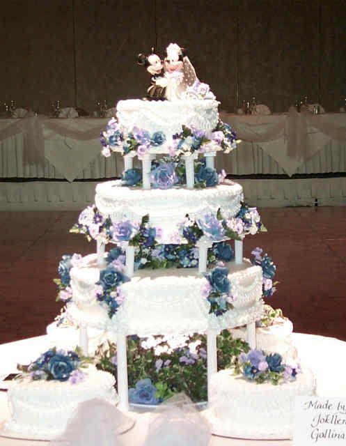 Disney Mickey and Minnie wedding cake | Disney Wedding Cakes ...