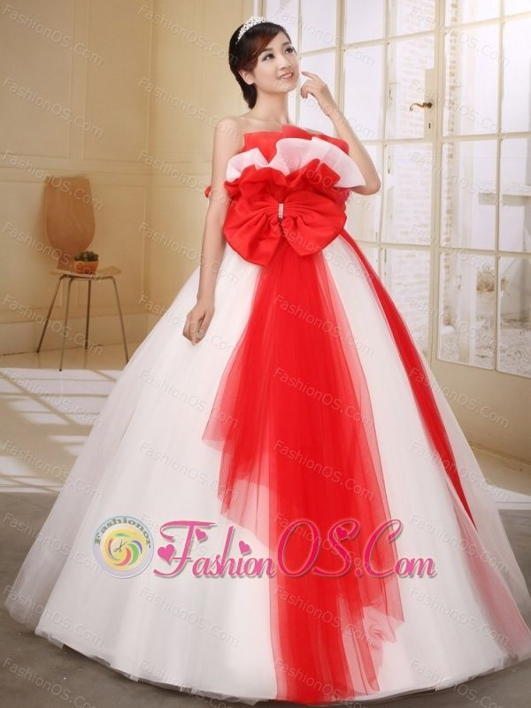 Red and White Bow Decorate On Organza Wedding Dress With Strapless ...