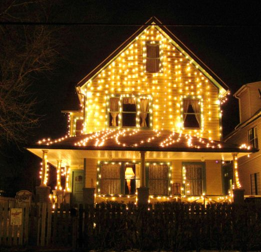 A Christmas Story House In Cleveland Ohio With All The Xmas Lights On And  Leg Lamp Good Ideas