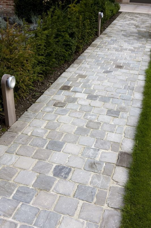 Kandla Gray | split | Hullebusch | natural stone,  #gray #Hullebusch #Kandla #Natural #split ... #modernfrontyard