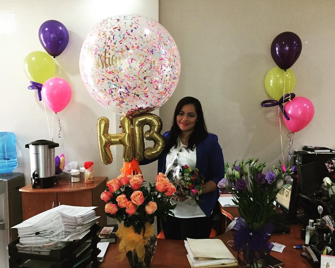 Christian muchas felicidades flores globos - Sorpresa cumpleanos amiga ...
