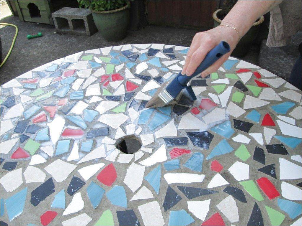 Different designs for your floor using ceramics mosaic