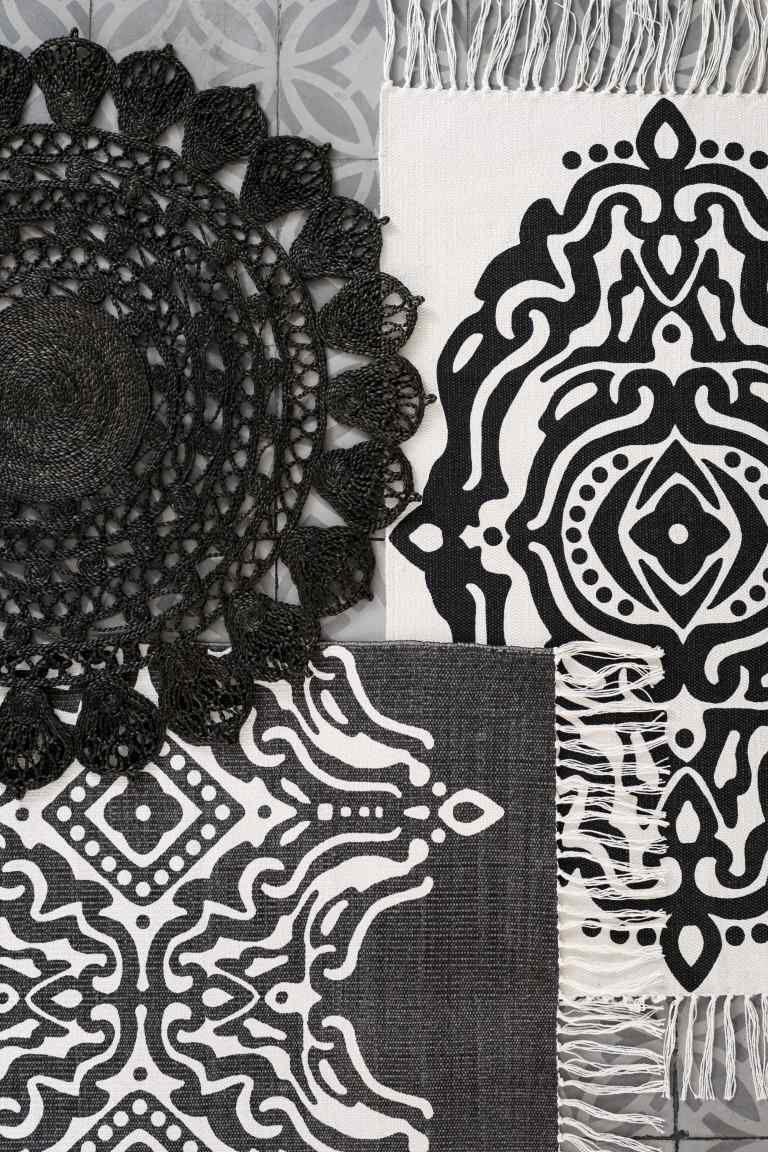my wish list tapis 100 toile de jute tricotin et crochet pinterest. Black Bedroom Furniture Sets. Home Design Ideas
