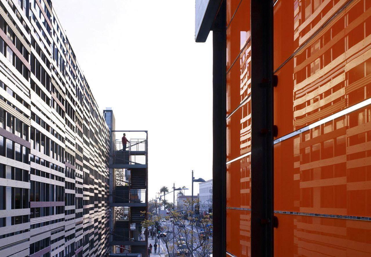 Gallery of Santa Monica Parking Garage / Brooks & Scarpa - 10