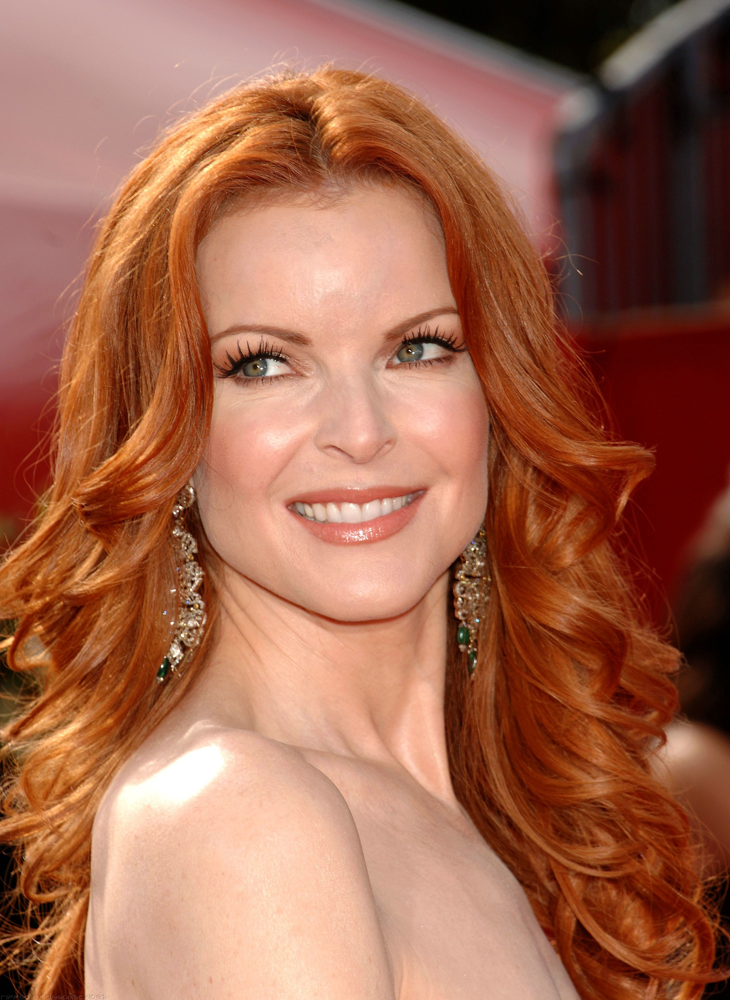 Marcia Cross earned a  million dollar salary, leaving the net worth at 8 million in 2017