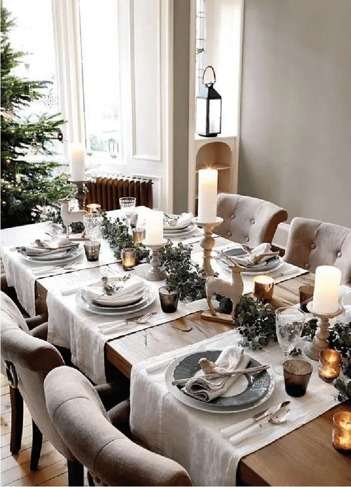121 Christmas Table Settings Ideas Elegant And Simple Christmas Dining Table Christmas Dinner Table Christmas Dining Room