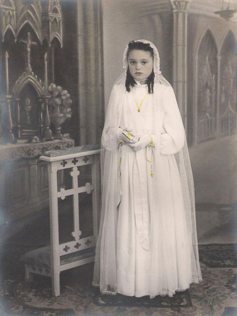 Teresa primera comunió 1945